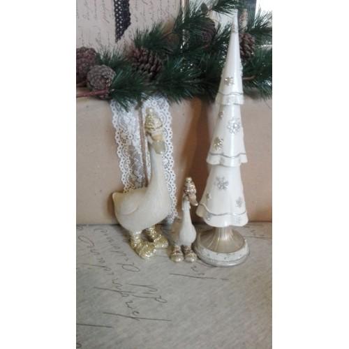 Stort antikhvidt juletræ H: 25,5 cm.