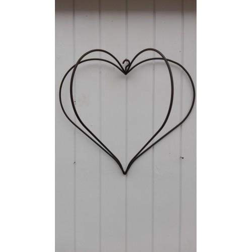 Stort rustent hjerte med 4 buer og krog